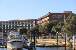 DoubleTree by Hilton Hotel New Bern Riverfront