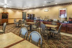 Econo Lodge Inn & Suites - Marianna