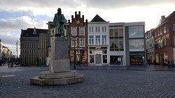 Hieronymus Bosch Statue