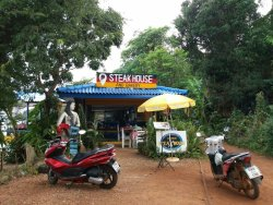 Kohmak Restaurant, Steakhouse & German Bakery