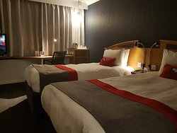 Great hotel ideally located for Airport