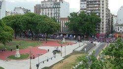 plaza congreso e piccola manifestazione