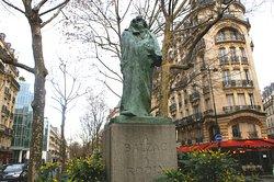 Monument à Balzac par Rodin
