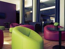Hôtel Mercure Villefranche en Beaujolais Ici & La