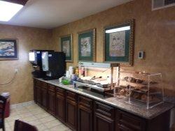 Hot breakfast counter