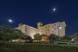 La Quinta Inn & Suites San Antonio Airport