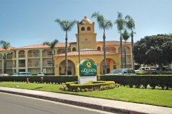 La Quinta Inn & Suites Orange County Airport