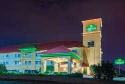 La Quinta Inn & Suites Tulsa Airport / Expo Square
