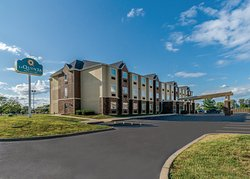 La Quinta Inn & Suites Collinsville - St. Louis