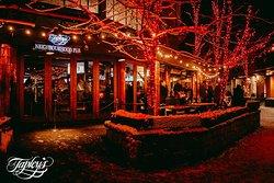 Tapleys Neighborhood Pub