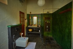 Green & Black Bathroom