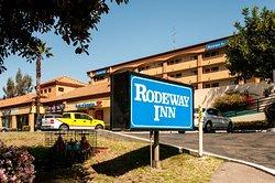 Roadway Inn