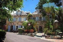 Admiral's Inn & Gunpowder Suites