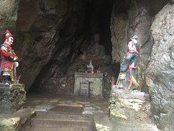 Tang Chon Grotto