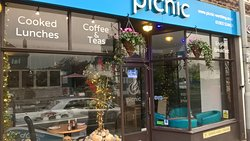 Picnic Cafe, Coffee Lounge & Deli