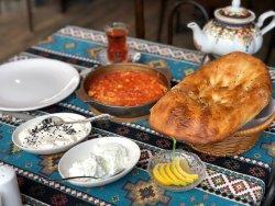 Qaynana Restaurant