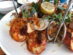 Seafood platter 夠4個人食