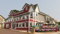 Pier Plaza Restaurant & Pickled Herring Lounge
