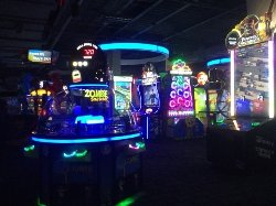 Dave & Buster's - Arcade