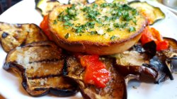 Grilled vegetables and garlic bread