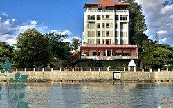 吉乃尔恒河酒店