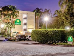 La Quinta Inn & Suites Plantation at SW 6th St