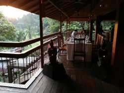Unwind in this quiet place tugged at the corner of KL