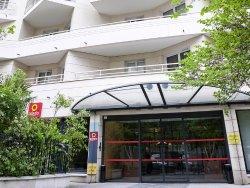 柔板國防公寓酒店