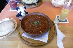 Chili con carne mit Knoblauchbrot