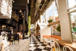 Ginkgo Cafe & Bar
