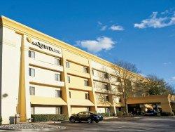 La Quinta Inn & Suites Raleigh Durham Airport S