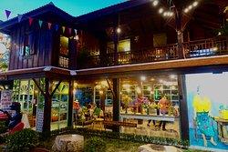 Ban Madame Cafe & Restaurant