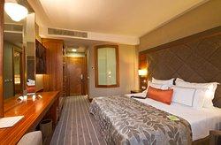 투그칸 호텔