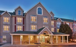 Country Inn & Suites by Radisson, Birch Run-Frankenmuth, MI