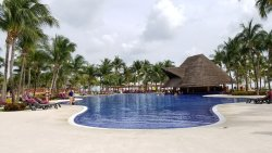 Beautiful resort, great snorkelling right off of the beach! We would definitely go again!
