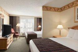 Country Inn & Suites by Radisson, Mason City, IA