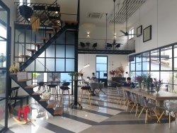 Chim Kitch Cafe