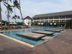 Beach resort closish to Colombo airport...