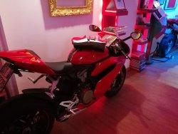 "Scuderia storica Ducati ""bande rosse"""