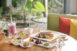 Loherb Cafe