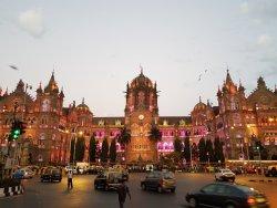 Mumbai By Locals