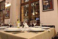 Monett Restaurant