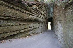 Torozakadaishi Kiridoshi Tunnel