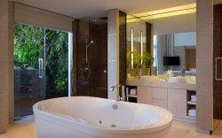 COMO Penthouse Bathroom