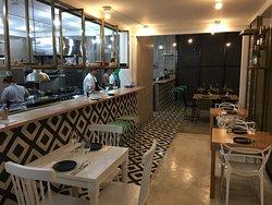 Modern ambiance, open kitchen