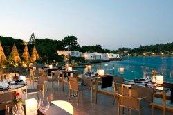 Minos Beach art hotel