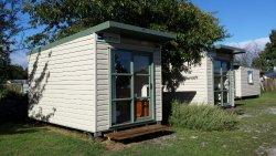 Windsor Lodge & Caravan Park