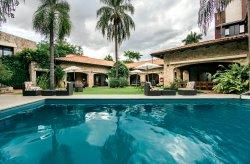 Las Lomas Casa Hotel