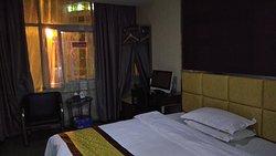 8 Days Hotel
