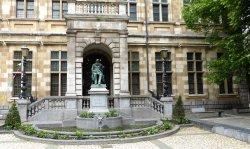 Hendrik Conscience Statue